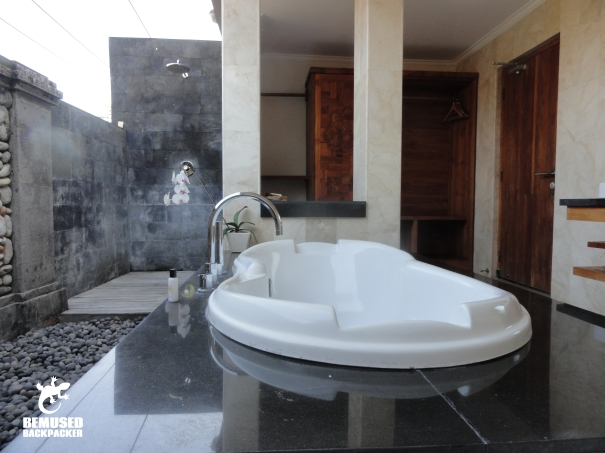 Sri Ratih Cottages Bali Bathroom