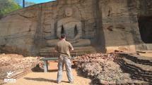 Michael Huxley Sri Lanka Buddhist Statue