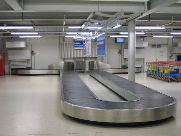 Baggage reclaim what to do when an airline loses your luggage